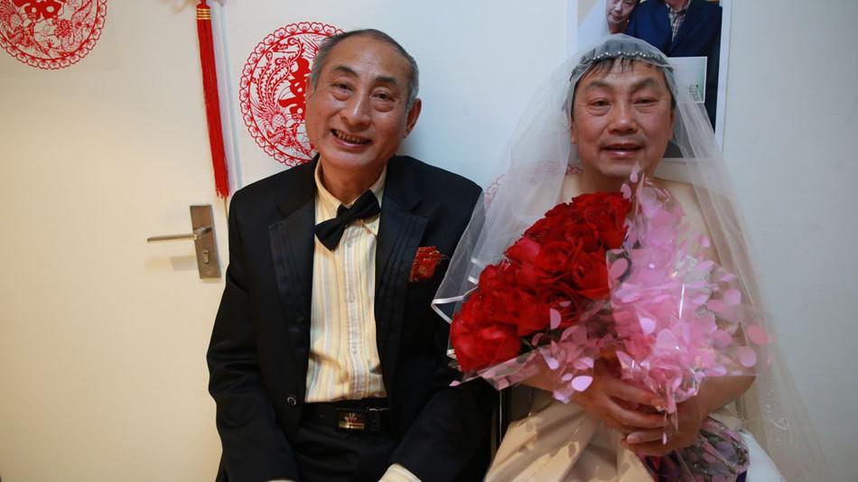 2 cụ ông đồng tính livestream đám cưới gây thu hút sự chú ý của truyền thông Trung Quốc - Ảnh 5.