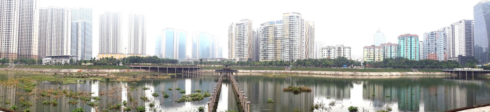Công viên 300 tỉ đồng trên đất vàng ở Hà Nội mới khánh thành đã bị dân chê hôi thối - Ảnh 1.
