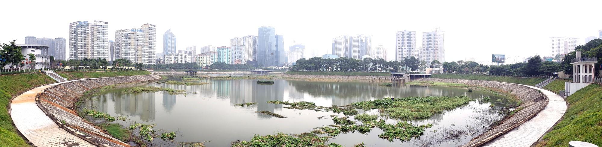 Công viên 300 tỉ đồng trên đất vàng ở Hà Nội mới khánh thành đã bị dân chê hôi thối - Ảnh 16.