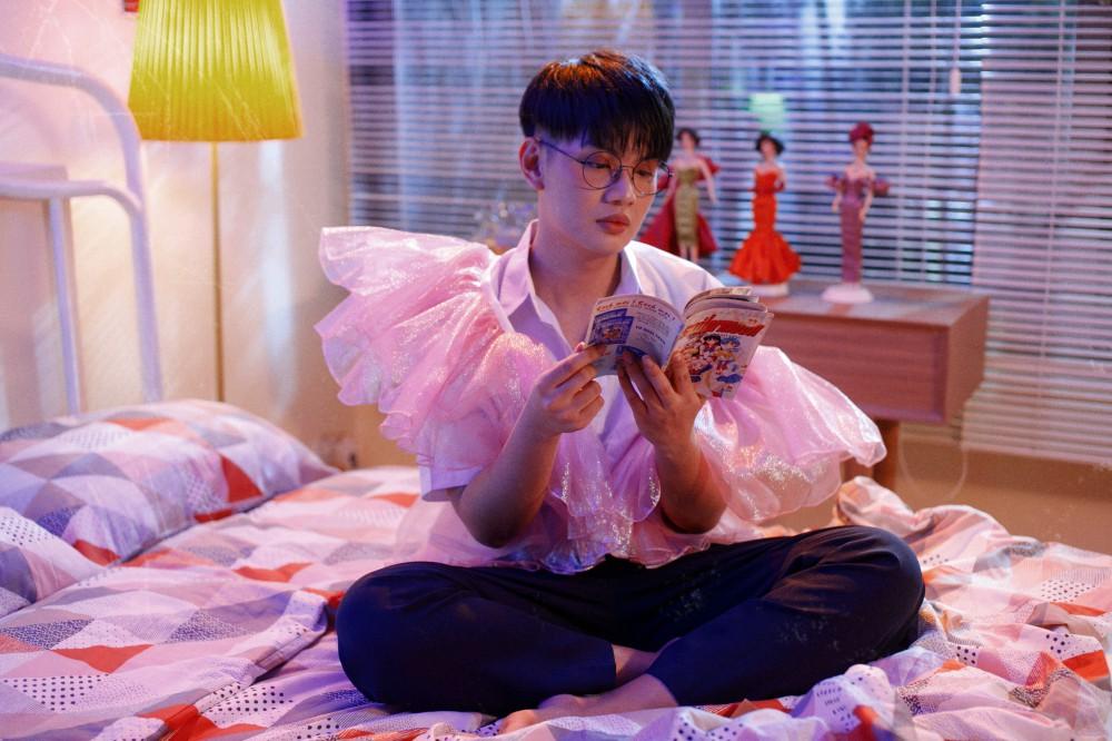 Đào Bá Lộc hóa thành búp bê barbie trong MV mới - Ảnh 3.