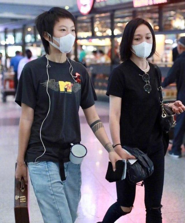 Tam Kim ảnh hậu Châu Tấn: Thiên tài diễn xuất nhưng lận đận hôn nhân và nghi vấn yêu đồng tính con gái tình địch - Ảnh 10.