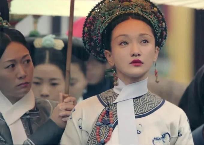 Tam Kim ảnh hậu Châu Tấn: Thiên tài diễn xuất nhưng lận đận hôn nhân và nghi vấn yêu đồng tính con gái tình địch - Ảnh 5.