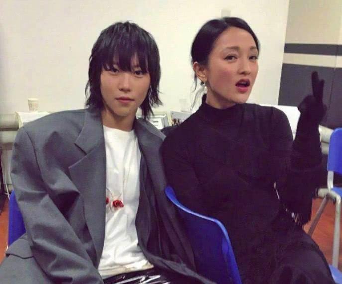 Tam Kim ảnh hậu Châu Tấn: Thiên tài diễn xuất nhưng lận đận hôn nhân và nghi vấn yêu đồng tính con gái tình địch - Ảnh 8.