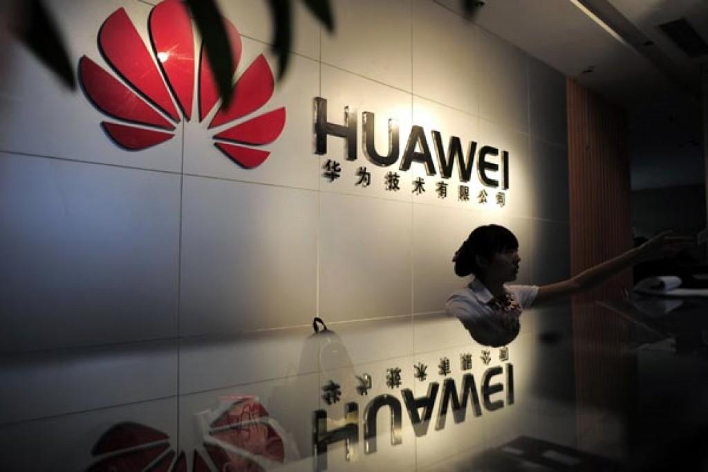 Đáp trả Hoa Kì, Huawei yêu cầu các nhân viên Mỹ về nước - Ảnh 1.