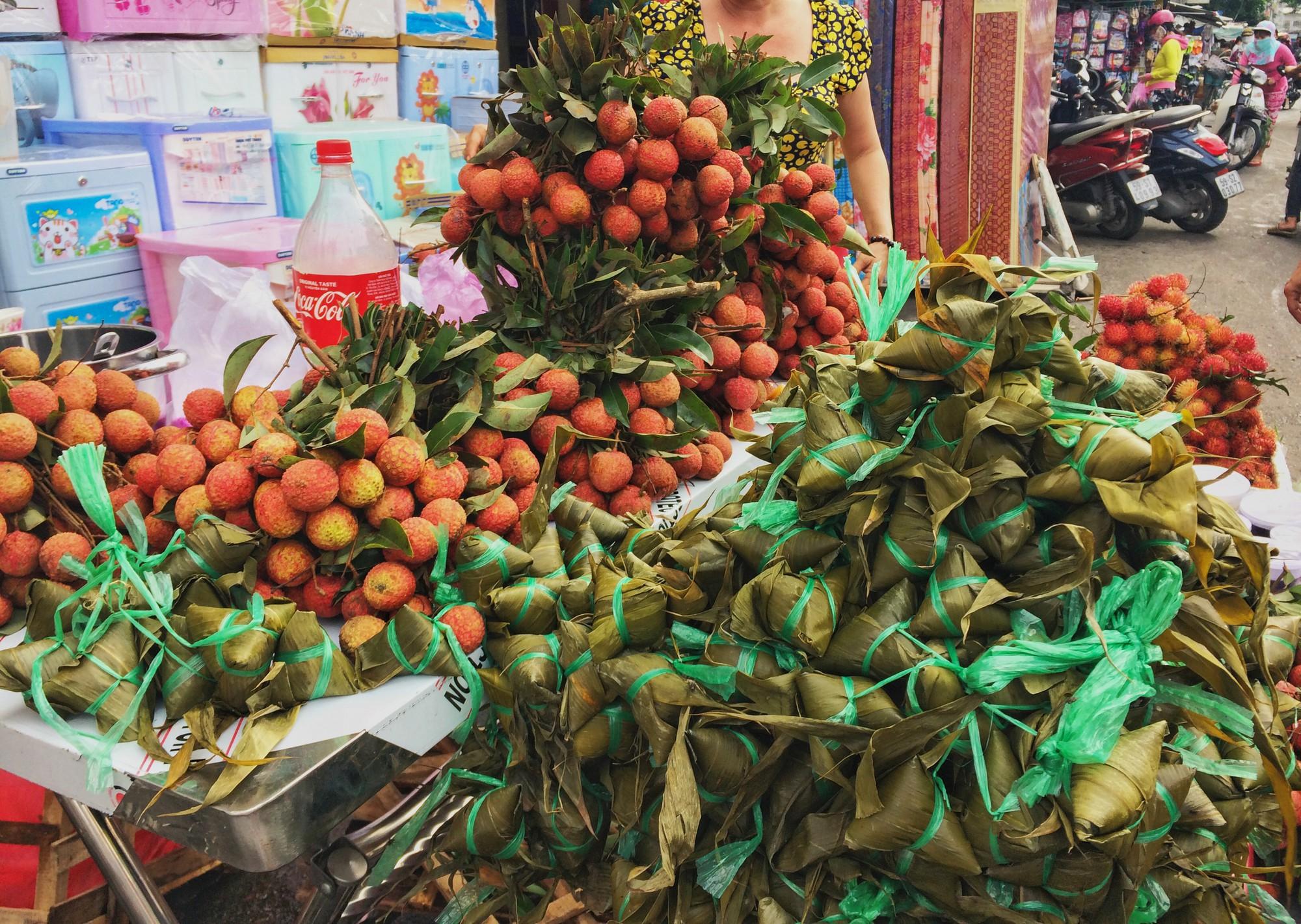 Chỉ nhanh những địa chỉ bán bánh ú tro ở Sài Gòn dịp Tết Đoan Ngọ - Ảnh 7.