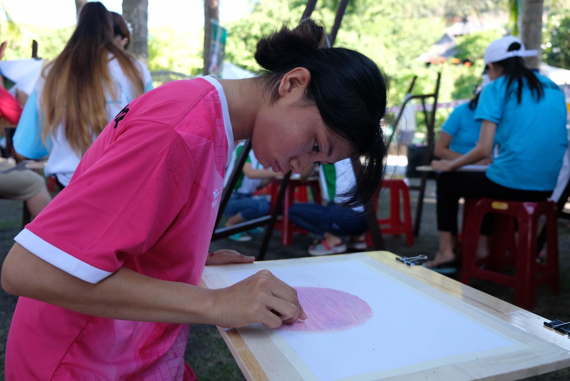 Gần 600 thiếu nhi vui chơi hết mình trong ngày Hội trẻ em khuyết tật lần tại Nha Trang - Ảnh 9.