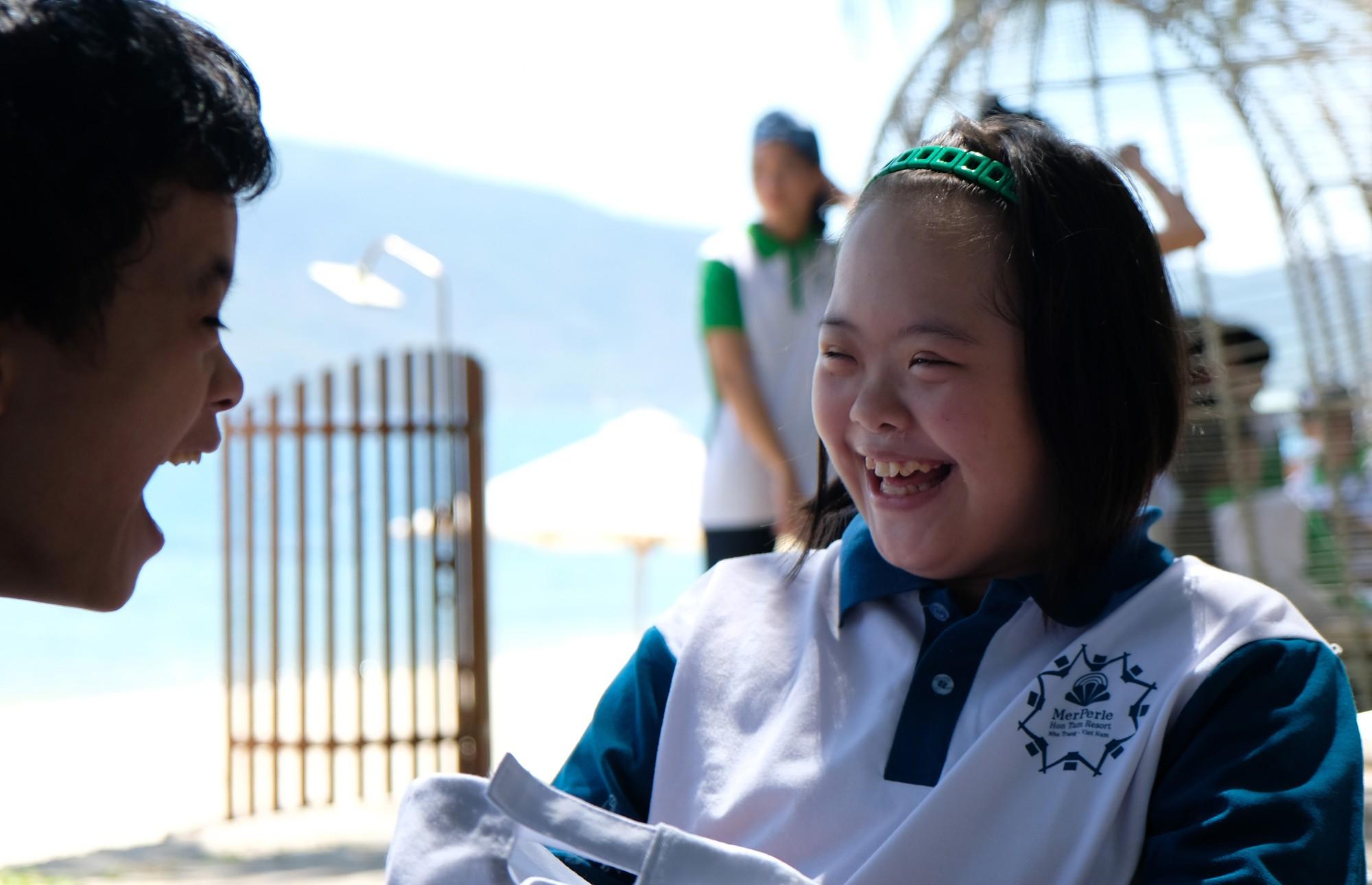 Gần 600 thiếu nhi vui chơi hết mình trong ngày Hội trẻ em khuyết tật lần tại Nha Trang - Ảnh 3.