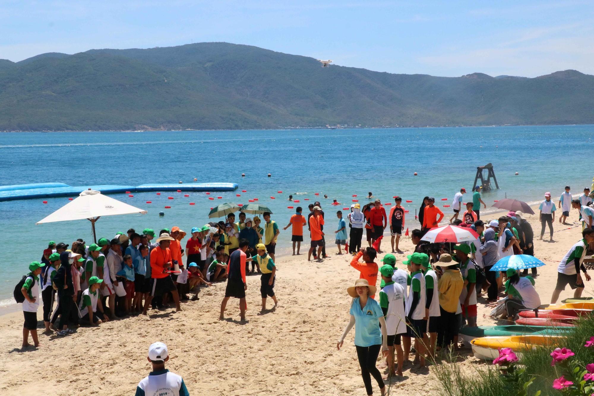 Gần 600 thiếu nhi vui chơi hết mình trong ngày Hội trẻ em khuyết tật lần tại Nha Trang - Ảnh 5.