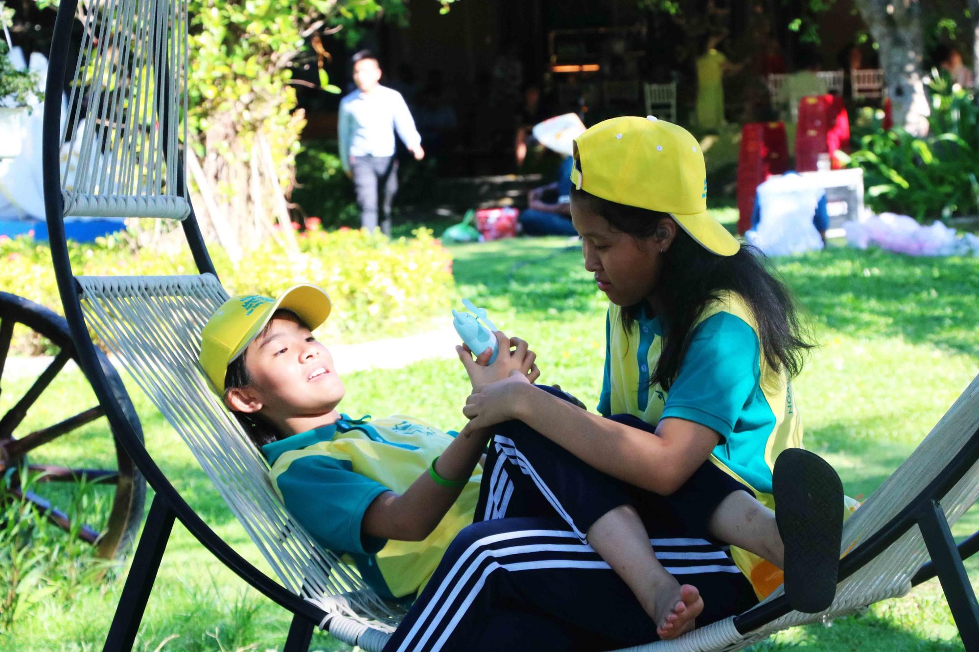 Gần 600 thiếu nhi vui chơi hết mình trong ngày Hội trẻ em khuyết tật lần tại Nha Trang - Ảnh 4.