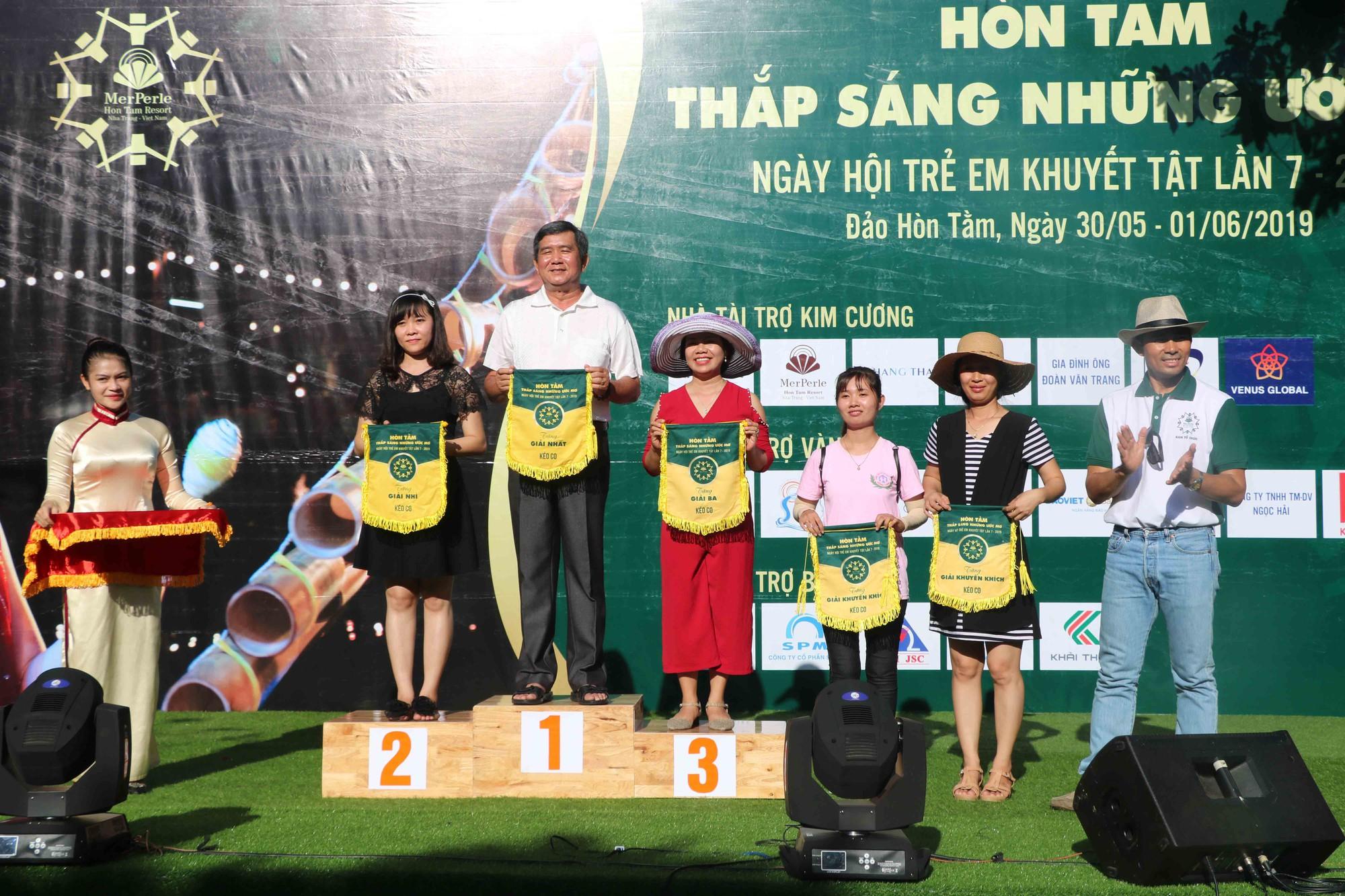 Gần 600 thiếu nhi vui chơi hết mình trong ngày Hội trẻ em khuyết tật lần tại Nha Trang - Ảnh 11.