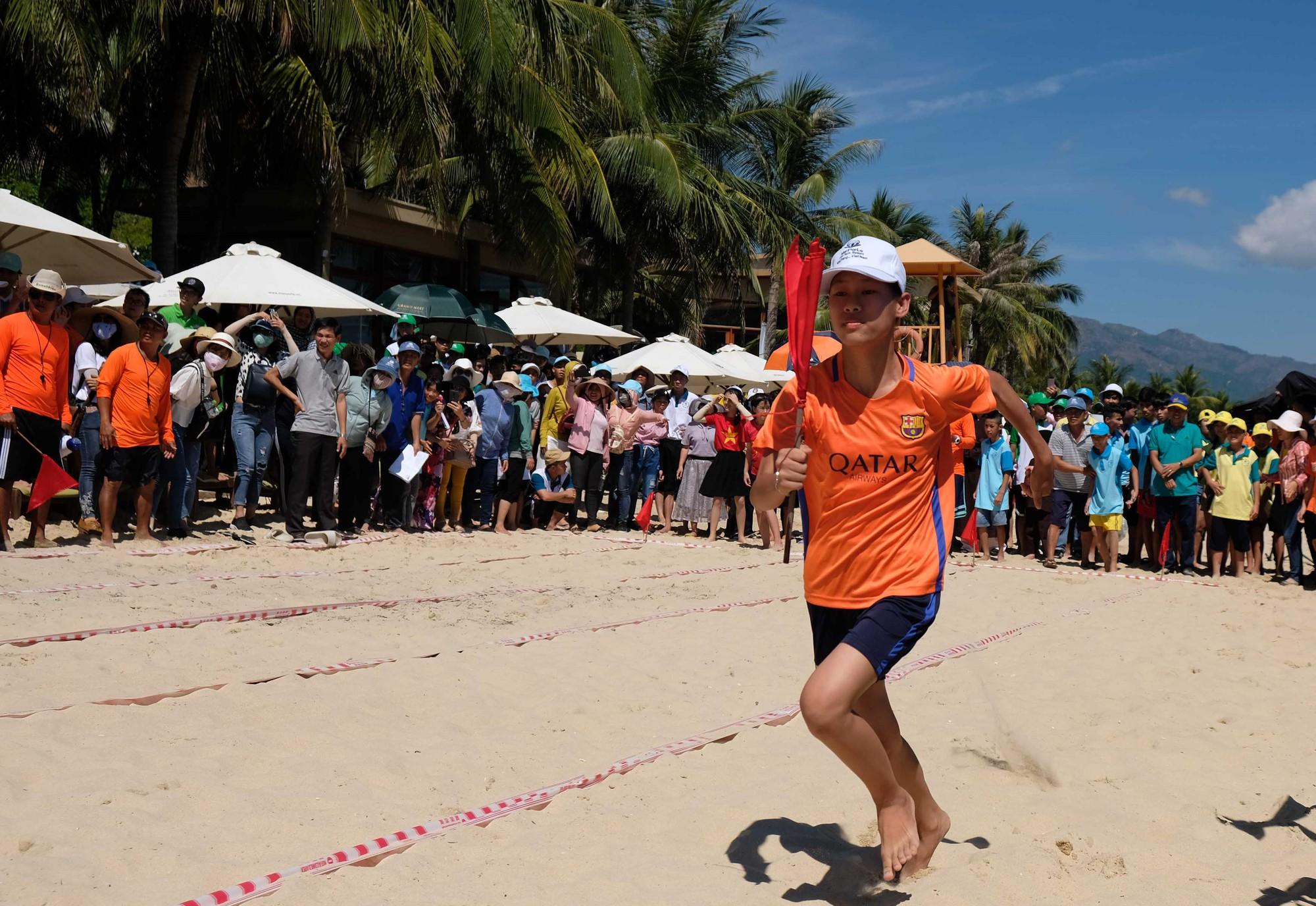Gần 600 thiếu nhi vui chơi hết mình trong ngày Hội trẻ em khuyết tật lần tại Nha Trang - Ảnh 6.
