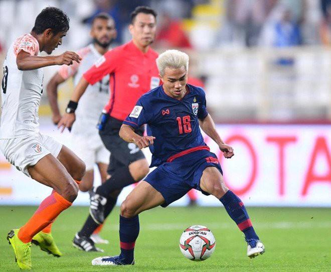 Kings Cup: Tuyển Thái Lan nhận 2 hung tin trước ngày quyết đấu Việt Nam - Ảnh 1.