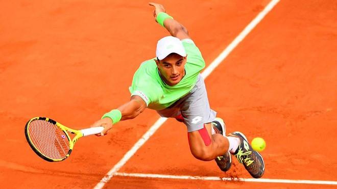 Gây bất ngờ, tay vợt gốc Việt vào vòng 3 Roland Garros 2019 - Ảnh 1.