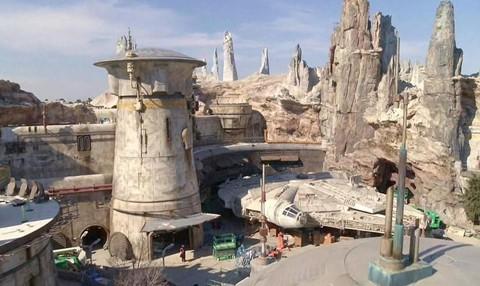 Chiêm ngưỡng công viên chủ đề Star Wars trị giá tỉ USD - Ảnh 14.