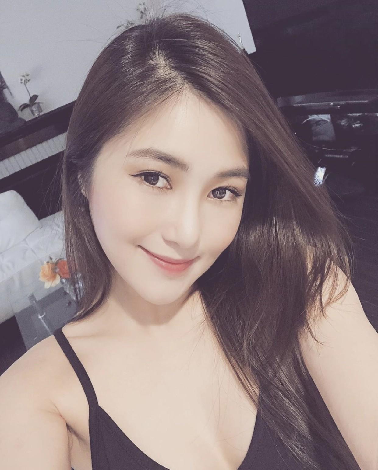 Sao Việt hôm nay (31/5): Ngọc Trinh đá xéo kẻ ganh ghét mình, Thanh Hằng mặc bikini khoe triệt để 3 vòng gợi cảm - Ảnh 4.