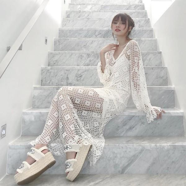 Gu thời trang của Ninh Dương Lan Ngọc: Mặc streetstyle đã chất, diện váy gợi cảm cũng rất thần thái  - Ảnh 12.