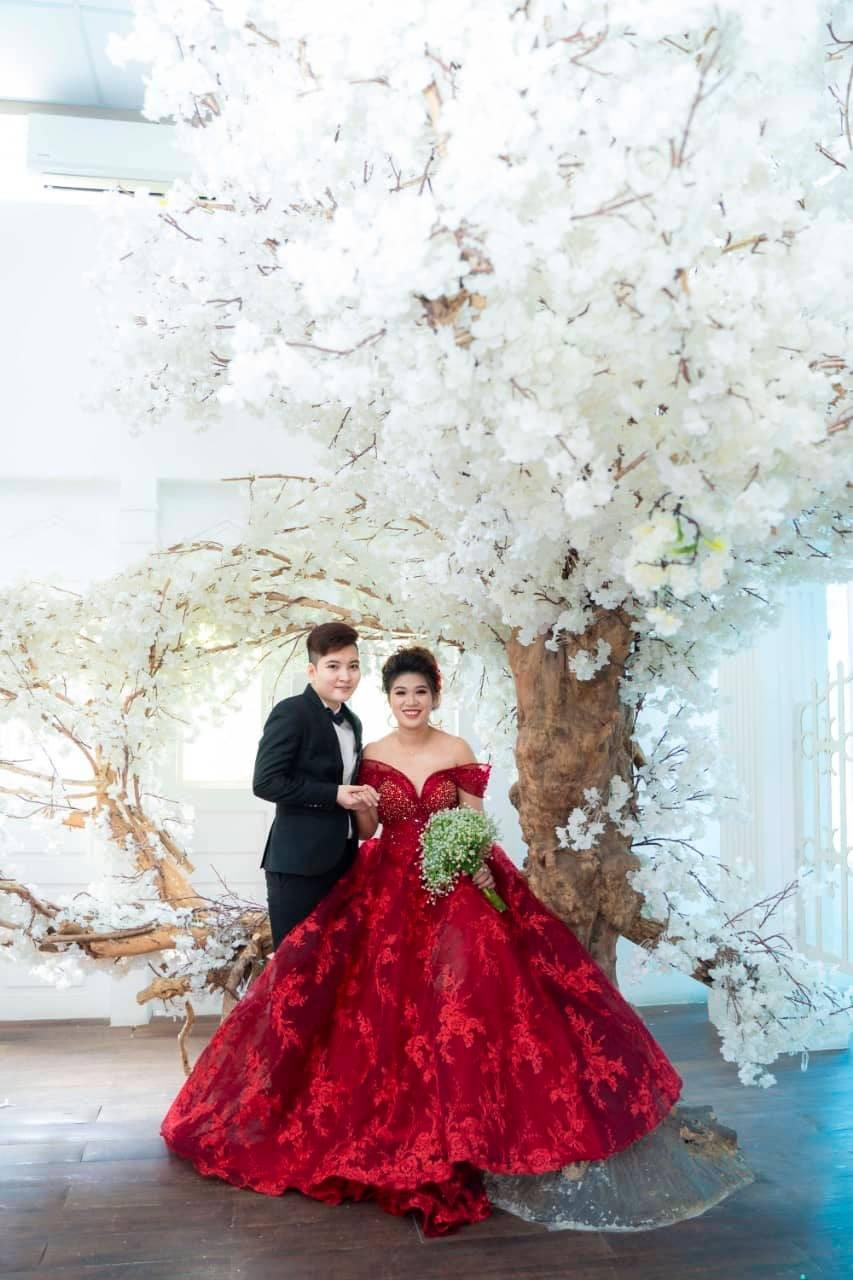 Chuyện tình của cặp đồng tính nữ: Chụp ảnh cưới trước rồi xin phép ba mẹ - Ảnh 1.