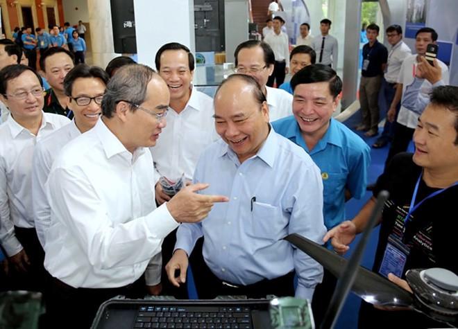 Thủ tướng Nguyễn Xuân Phúc: Lắng nghe lời góp ý từ chính trái tim người công nhân - Ảnh 1.