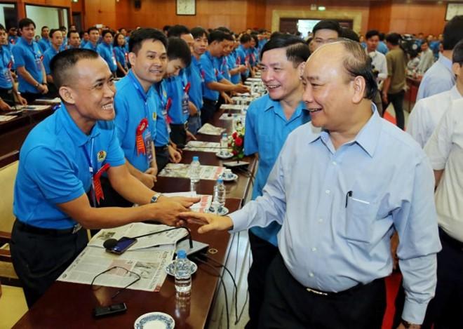 Thủ tướng Nguyễn Xuân Phúc: Lắng nghe lời góp ý từ chính trái tim người công nhân - Ảnh 2.