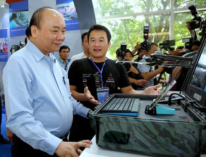 Thủ tướng Nguyễn Xuân Phúc: Lắng nghe lời góp ý từ chính trái tim người công nhân - Ảnh 3.