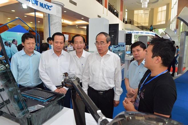Thủ tướng Nguyễn Xuân Phúc: Lắng nghe lời góp ý từ chính trái tim người công nhân - Ảnh 4.