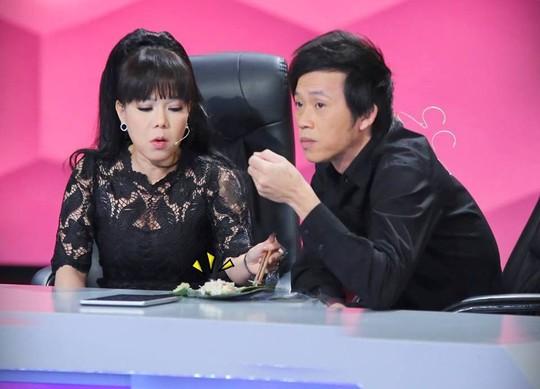 Bố Việt Hương đột ngột qua đời, NSƯT Hoài Linh và nhiều đồng nghiệp động viên nữ nghệ sĩ - Ảnh 5.