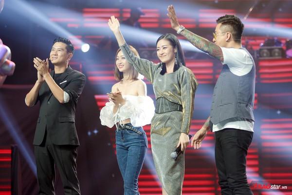 Giọng hát Việt 2019 tập 4: Lâm Bảo Ngọc trở thành tâm điểm, kịch tính nằm ở chặng cuối vòng Giấu Mặt - Ảnh 4.