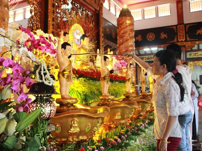 Ý nghĩa thực sự của ngày lễ Phật Đản - Ảnh 2.