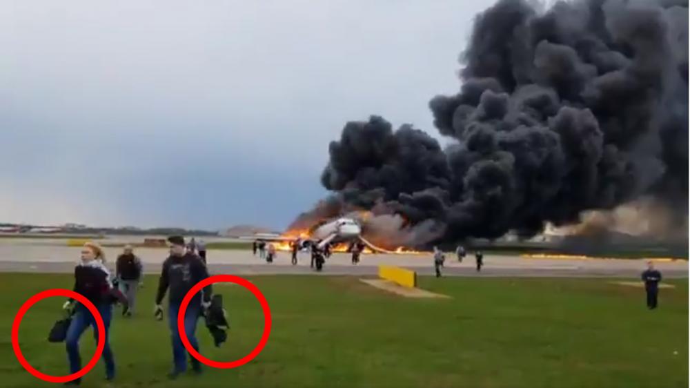 Hành động vô ý thức của hành khách khiến tai nạn máy bay Nga thêm tồi tệ? - Ảnh 1.