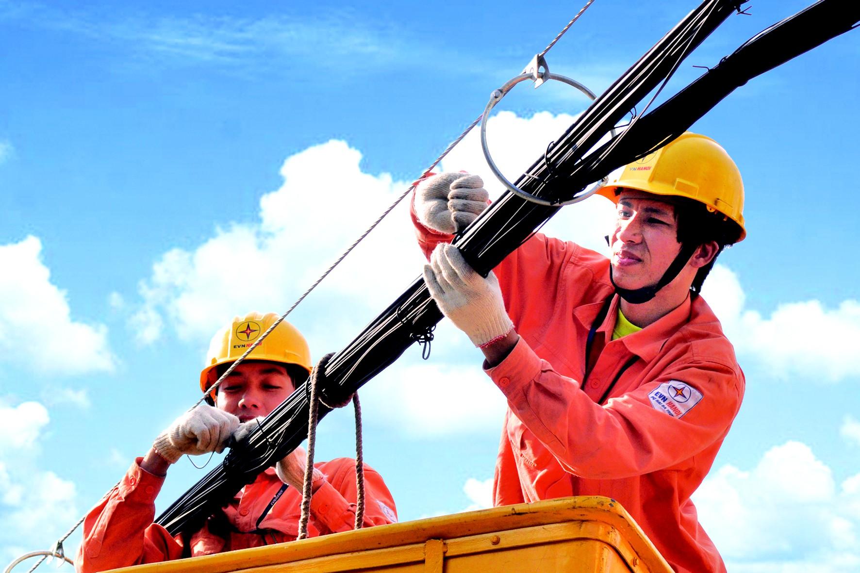 Phó Thủ tướng yêu cầu Bộ Công Thương đánh giá tác động của việc điều chỉnh giá điện - Ảnh 1.