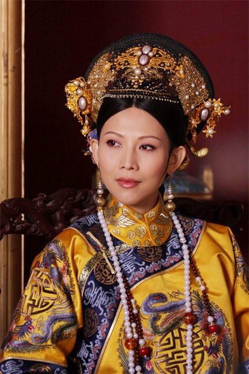 Hoa đán TVB Thái Thiếu Phân: Cái giá của hạnh phúc là tuổi thơ cơ cực và quyết định từ mặt mẹ ruột - Ảnh 2.