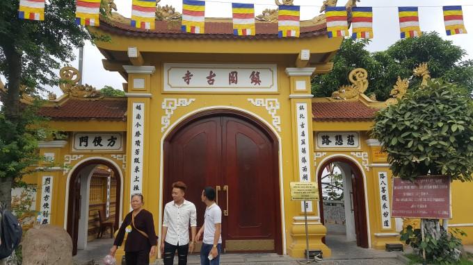Cùng đón Đại lễ Phật Đản tại những ngôi chùa nổi tiếng ở Hà Nội - Ảnh 4.