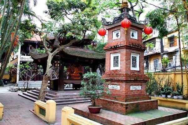 Cùng đón Đại lễ Phật Đản tại những ngôi chùa nổi tiếng ở Hà Nội - Ảnh 5.