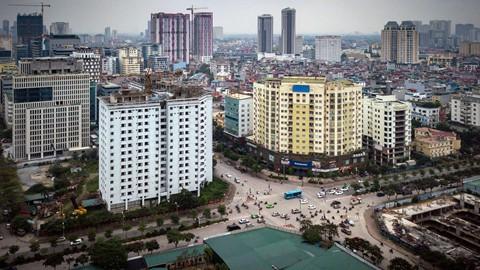 Chung cư bỏ hoang 9 năm ở đất vàng Hà Nội - Ảnh 1.