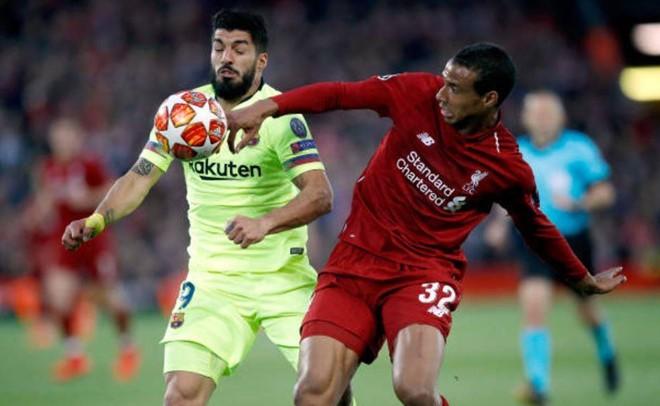Suarez gọi pha đá phạt góc của Alexander Arnold là trò trẻ con - Ảnh 2.