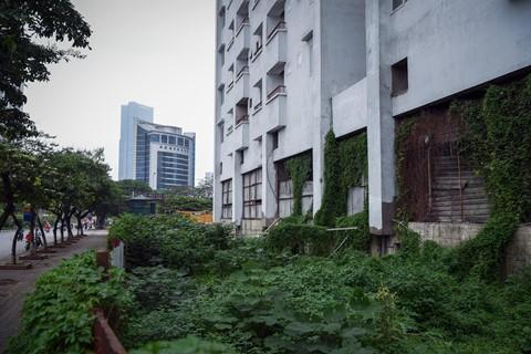 Chung cư bỏ hoang 9 năm ở đất vàng Hà Nội - Ảnh 7.