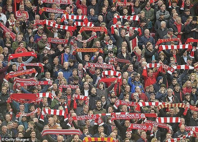 Liverpool vào chung kết, CĐV bị chặt chém tơi bời - Ảnh 1.