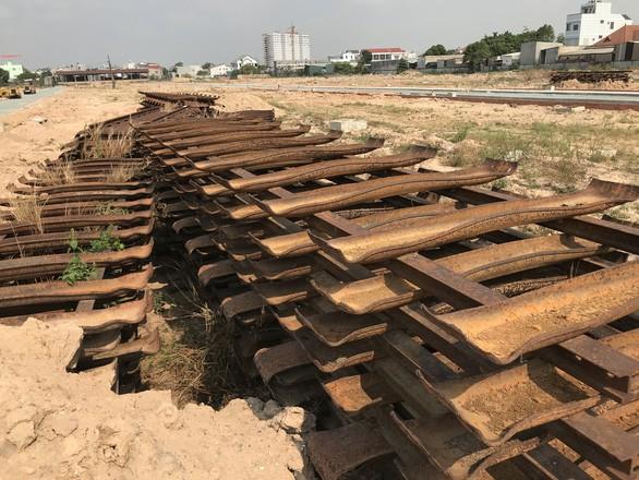 Dỡ đường sắt Trạm vật tư Dĩ An phân lô đất nền, Bộ Công an vào cuộc - Ảnh 4.