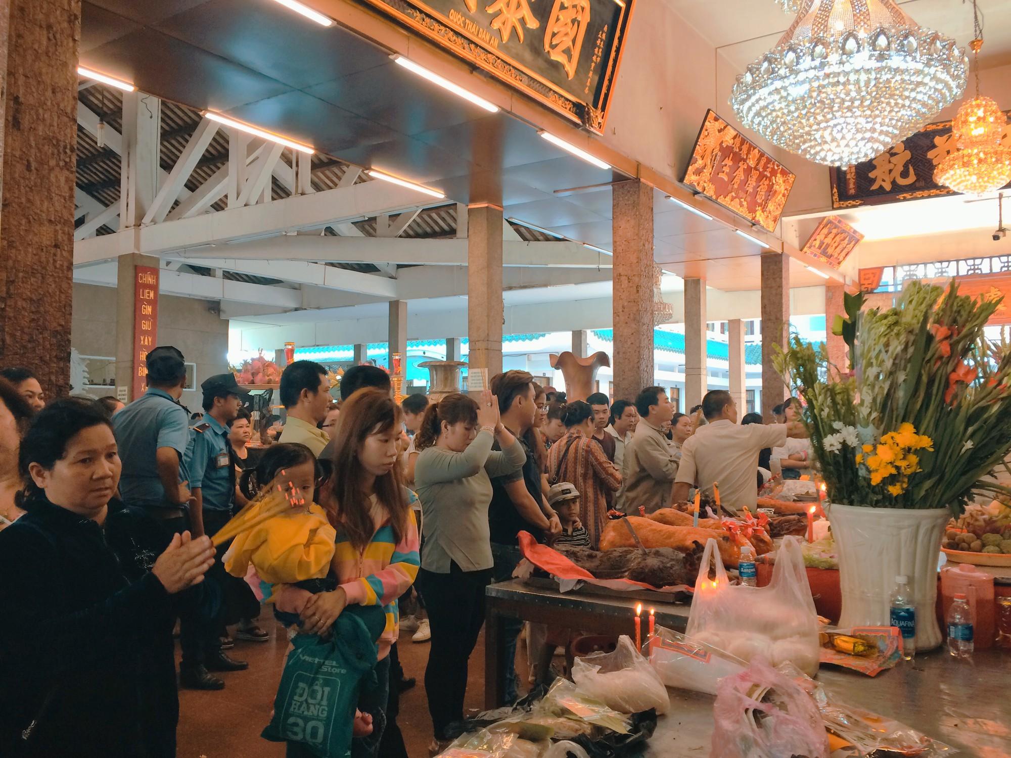 Tháng 5, về An Giang tham dự Lễ hội Miếu Bà Chúa Xứ Châu Đốc  - Ảnh 5.