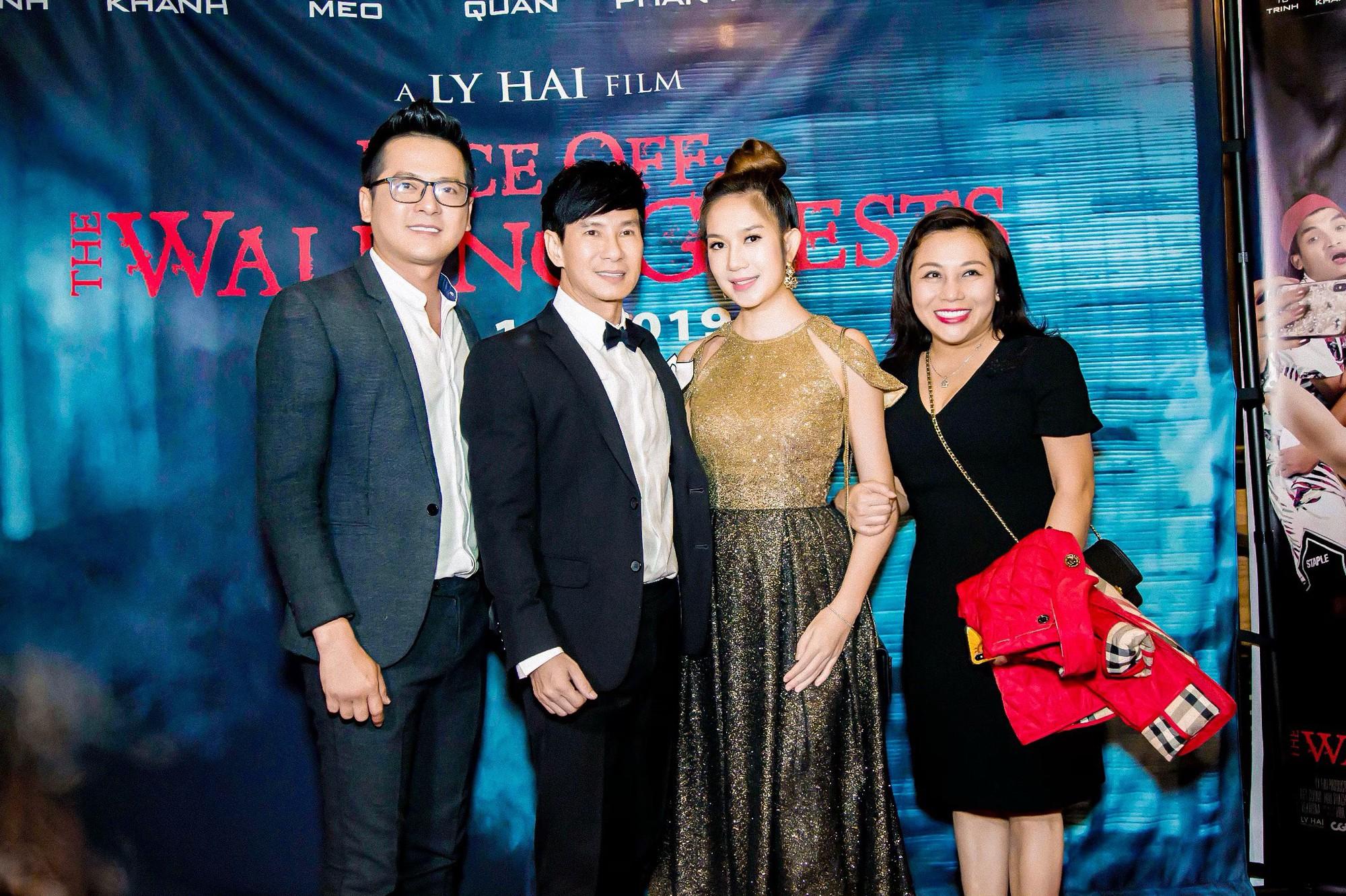 Vợ chồng Lý Hải - Minh Hà rạng rỡ trong ngày đưa phim sang Mỹ - Ảnh 3.