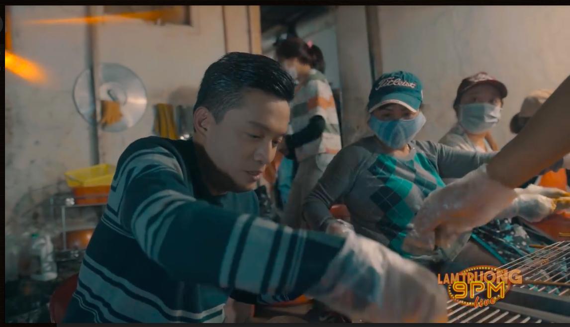 Lam Trường nướng bánh tráng và bán sữa đậu nành tại Đà Lạt khiến fan thích thú - Ảnh 8.