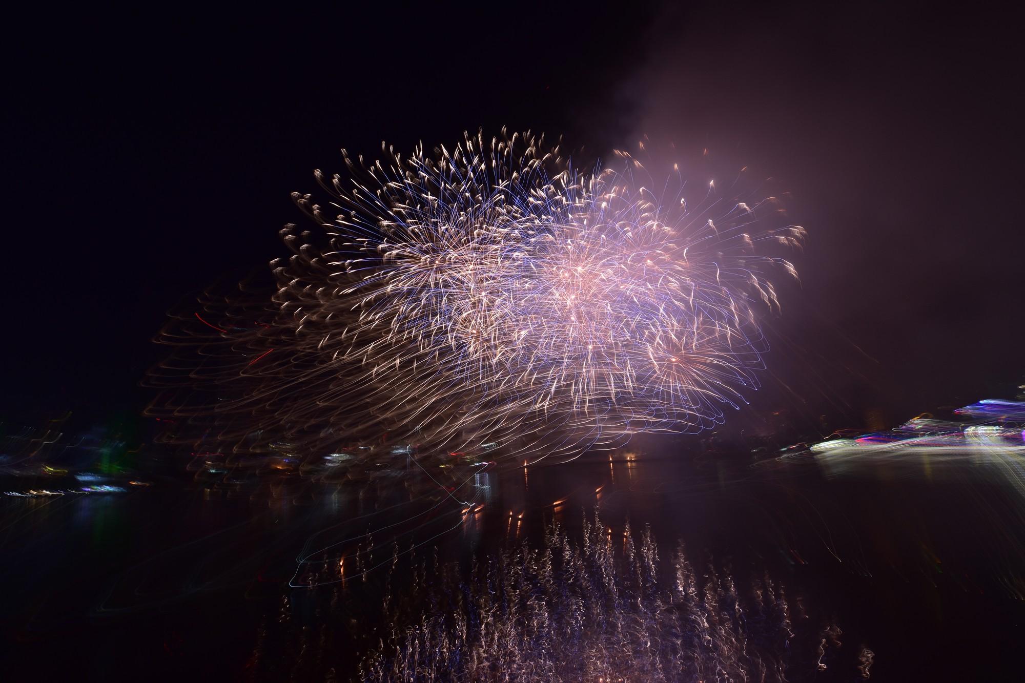 Mãn nhãn màn pháo hoa Việt Nam - Nga trên bầu trời Đà Nẵng - Ảnh 12.