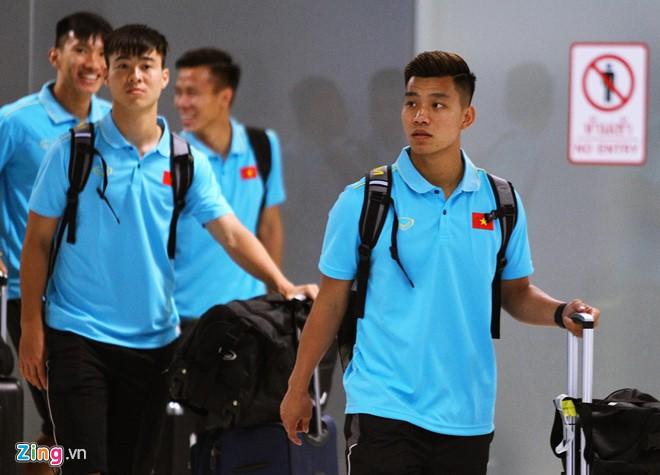 Tuyển Việt Nam có mặt ở Thái Lan, sẵn sàng cho Kings Cup - Ảnh 2.