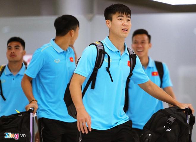 Tuyển Việt Nam có mặt ở Thái Lan, sẵn sàng cho Kings Cup - Ảnh 3.