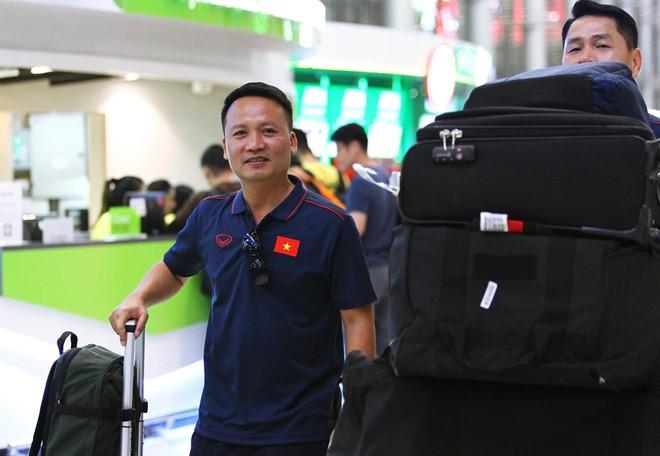 Tuyển Việt Nam có mặt ở Thái Lan, sẵn sàng cho Kings Cup - Ảnh 6.