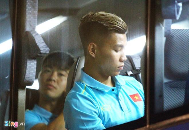 Tuyển Việt Nam có mặt ở Thái Lan, sẵn sàng cho Kings Cup - Ảnh 10.