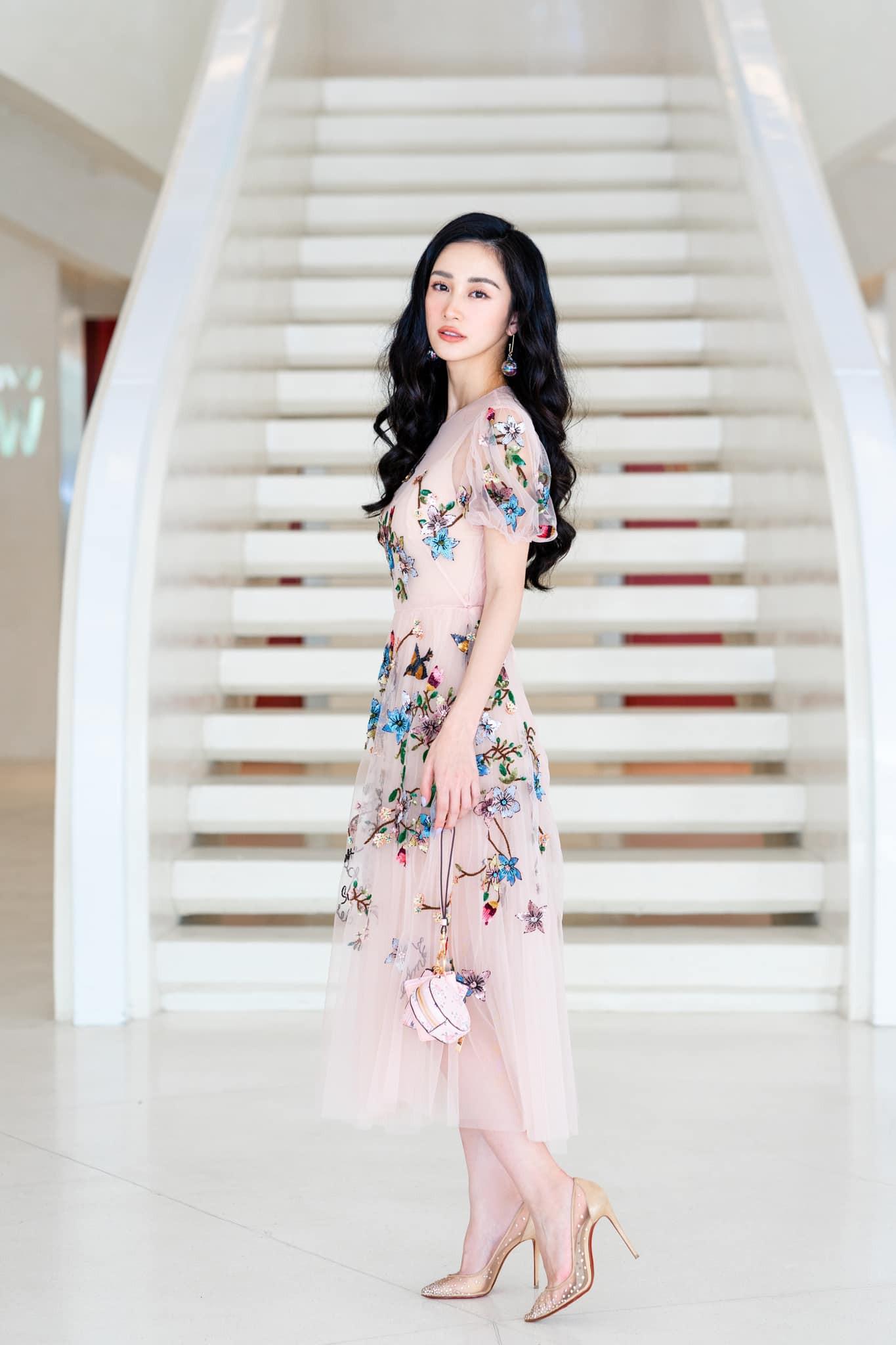 Mĩ nhân Việt nào là Nữ hoàng thảm đỏ tuần qua? (kì 53) - Ảnh 5.