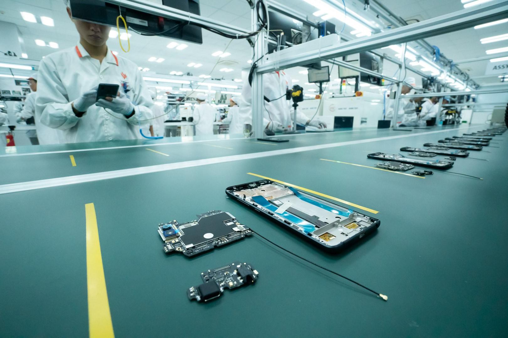 Vingroup sẽ xây dựng nhà máy sản xuất điện thoại lớn gấp 25 lần hiện tại, sản xuất 125 triệu máy mỗi năm - Ảnh 1.