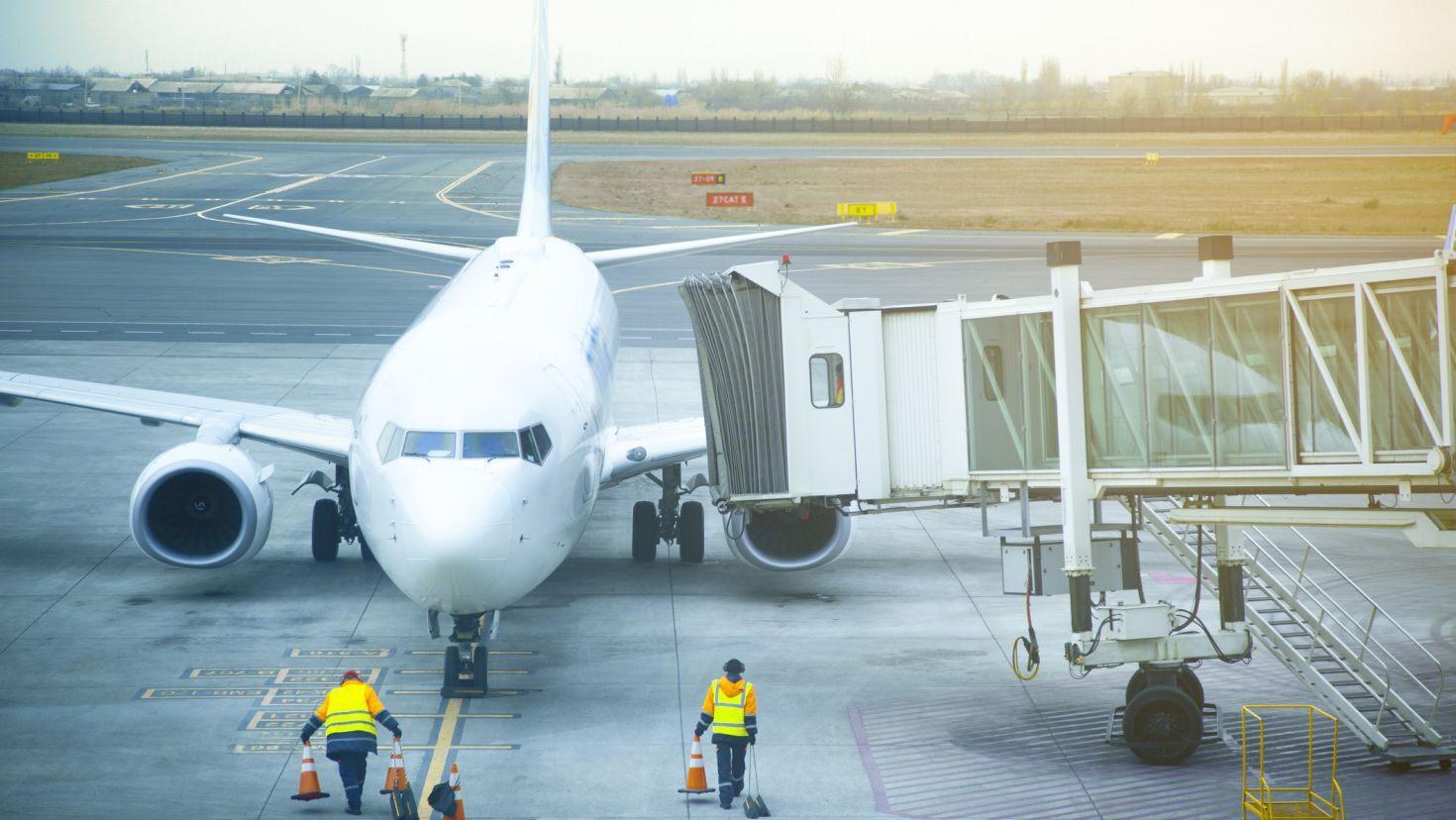 6 tuyệt chiêu giúp bạn tiết kiệm phí hành lí khi đi máy bay ở Mỹ - Ảnh 1.