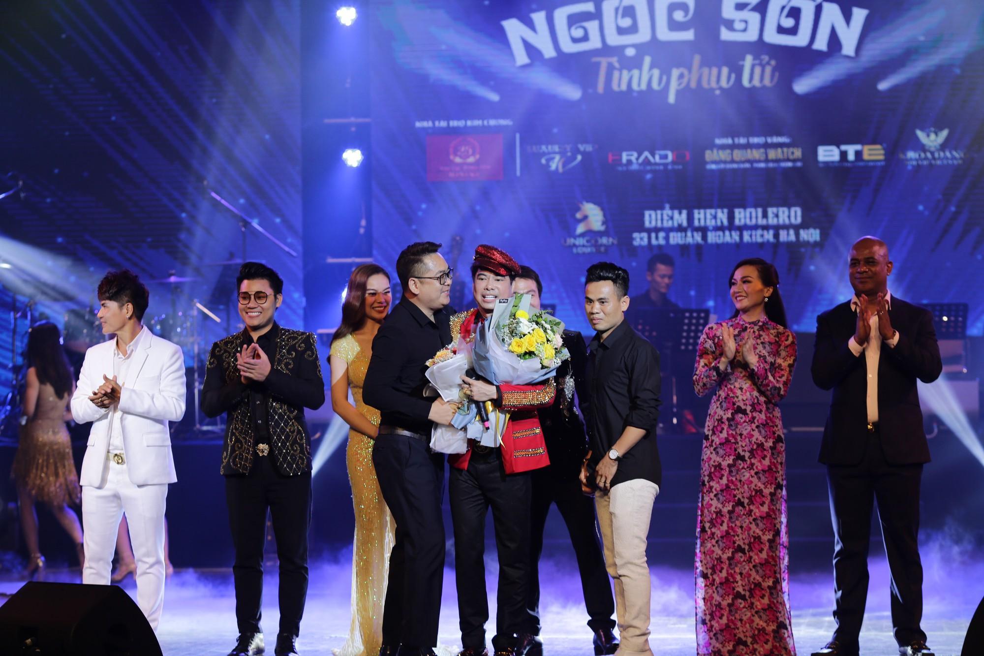 Liveshow của Ngọc Sơn tại Hà Nội cháy vé dù giá cao ngất ngưởng - Ảnh 2.